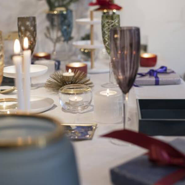 Sale: Gedeckter Tisch