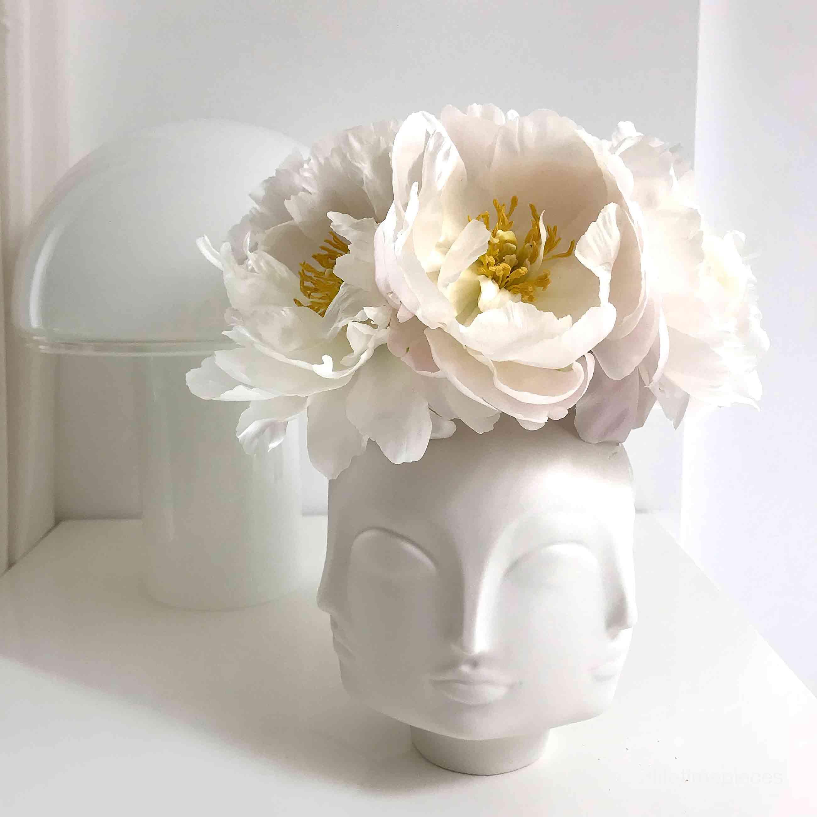 Dora Maar Vase 19cm, weiß von Jonathan Adler